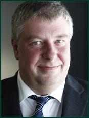 Portrait von Prof. Dr. Volker Albert Tausch